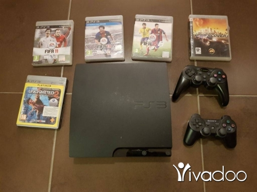 Video Games & Consoles in Derb el-Simme - ps3 with 2 controlles and 5 cds