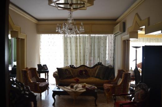 Apartments in Ras-Beyrouth - شقة غير مفروشة للبيع او الايجار راس بيروت
