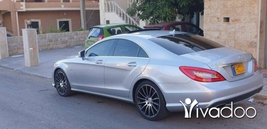 Mercedes-Benz in Beirut City - Mercedes Benz cls 550 2012 amg biturbo fully loaded Ajnabiyi clean carfax Blue efficiency
