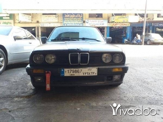 BMW in Tripoli - E30 320i automatic model 90