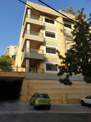Apartments in Awkar - apartment for rent in Aoukar