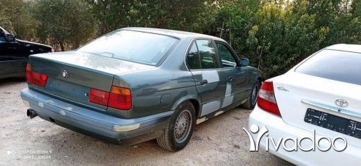 BMW in Tripoli - bmw 520 . model 90 .