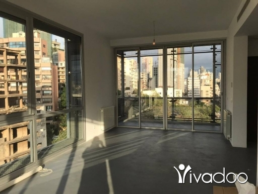 Apartments in Achrafieh - A 185 m2 apartment with a Shared pool & gym overlooking the city for rent in Achrafieh