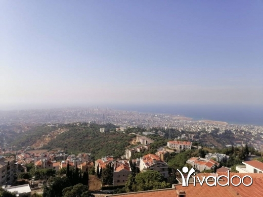 Apartments in Mansourieh - HOT DEAL - A 650 m2 apartment with a terrace for sale in Mansourieh