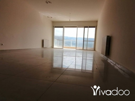 Apartments in Mansourieh - A 177 m2 apartment with a terrace for sale in Mansourieh