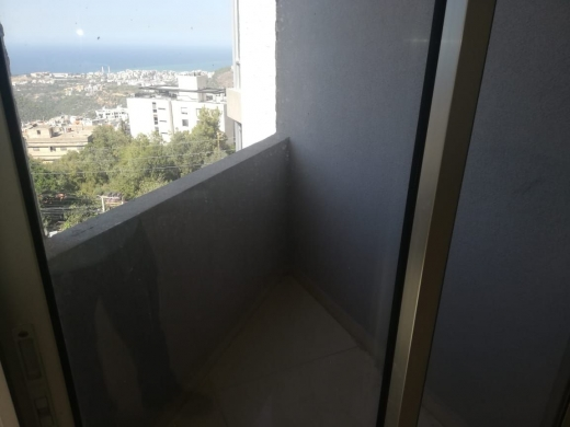 Apartments in Mazraat Yachouh - Apartment for Sale in Mazraat Yachouch with Terrace and Roof