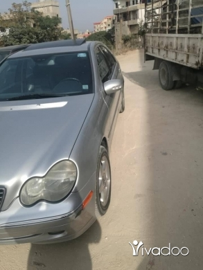 Mercedes-Benz in Tripoli - C240 2002