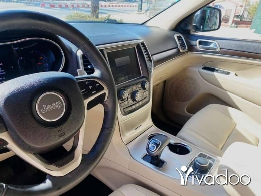 Jeep in Beirut City - jeep Cherokee V6 2014 limited