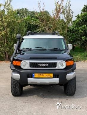 Toyota in Zgharta - For sale 2010 super clean te3leyi original 2 camera