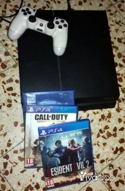 Video Games & Consoles in Beirut City - Play station 4
