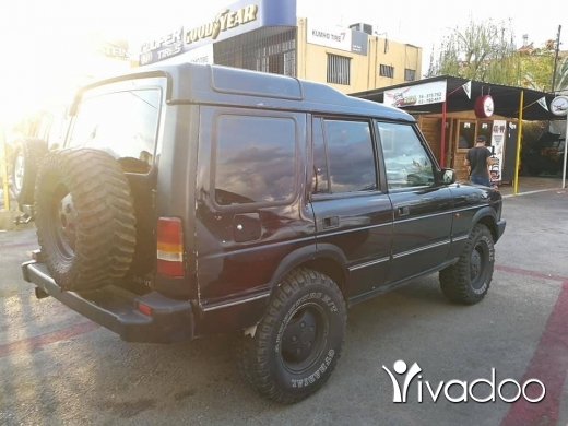 Land Rover in Nahr Ibrahim - Discovery 1 original