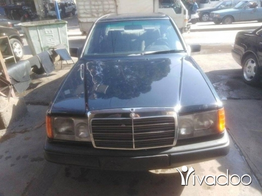 Mercedes-Benz in Tripoli - 260 موديل 89