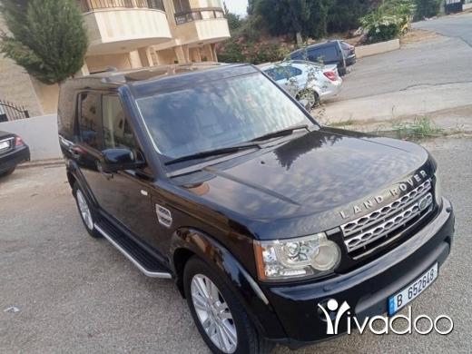 Rover in Furn el-Chebbak - Land Rover