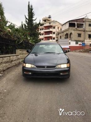 Honda in Beirut City - Honda accord model 1996 full automatic seyart beyt 4cyl ndeefi kteer 71/561000