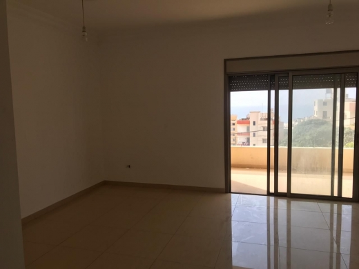 Apartments in Hosrayel - Apartment for Rent in Hosrayel Jbeil with Garden