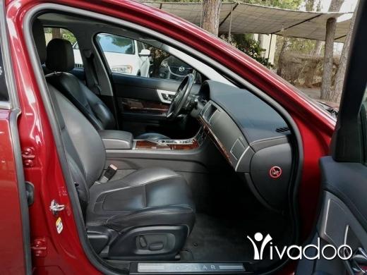 Jaguar in Beirut City - Jaguar XF 2012 burgundy/black V6