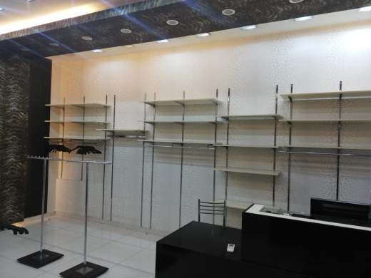 Boutique dans Mtaileb - Shop for Rent on Mtayleb Main Road
