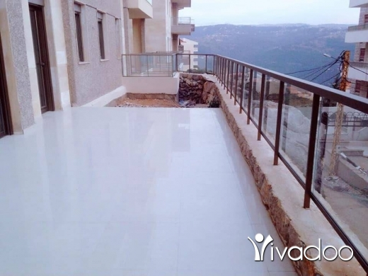 Apartments in Beirut City - برمانا / ١٣٥م + تراس ١٣٠ م طابق اول مفروزة حديثا شك مصرفي $