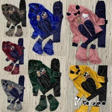 Clothes, Footwear & Accessories in Tripoli - بيجامة بناتي فرو ناعم/مخمل ممتاز ٣ قطع