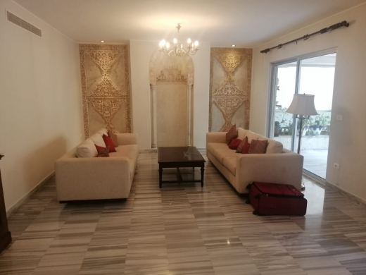 شقق في اشرفيه - Spacious Apartment for Rent in Achrafieh Rue Abdul Wahab