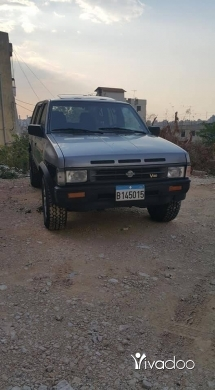 Jeep in Beirut City - Parhfinder 4wd semi look full automatic 1991 4 dwalib jded