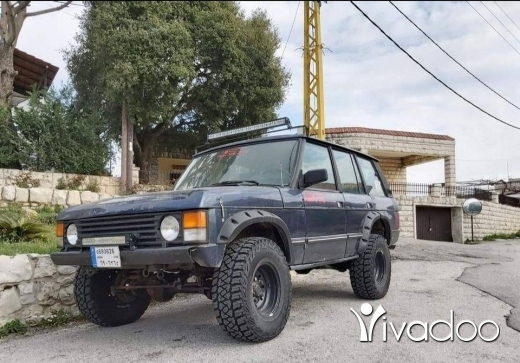 Rover in Beirut City - Range Rover / Manual