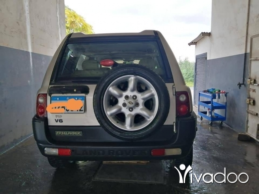 Land Rover in Tripoli - Land rover 2002