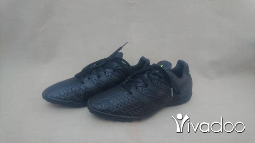 Clothes, Footwear & Accessories in Tripoli - adidas/football shoes