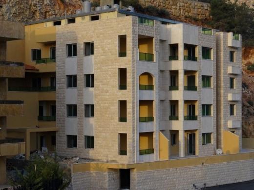 Apartments in Bchamoun - شقة في بشامون حي المدارس 3 نوم طابق رابع معروضة للبيع بسعر مغري