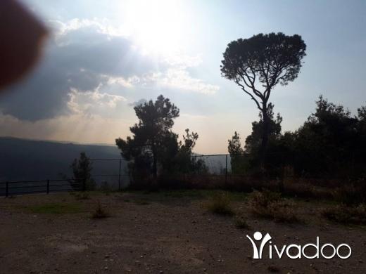 Land in Deir el-Harf - دير ألحرف أرض ممتازة للبيع  9000م مطلة جبل لا تحجب، سهلة العمار، 200$ للمتر، Zone 30/75. للدفع شيك.