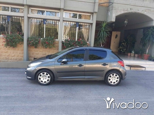 Peugeot in Beirut City - Peugeot 207 Model 2007 Super Clean 105,000km Vitesse New tires new battery 3500$ 70 000792