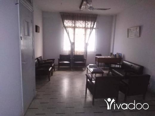 Apartments in Tripoli - عيادة في موقع مميز للخلو أو الاستثمار