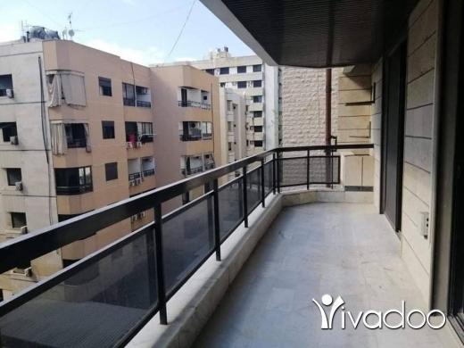 Apartments in Ramlet al-Baydah - للإيجار شقة بدون فرش ، بيروت ، الرملة البيضاء