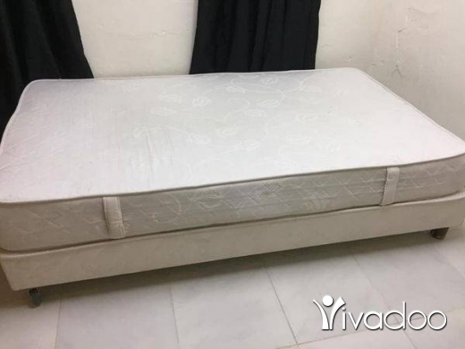 Home & Garden in Beirut City - Bed and mattress mefred w nos