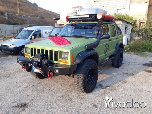 Jeep in Beirut City - Cheeroke 1989 super 5ere2