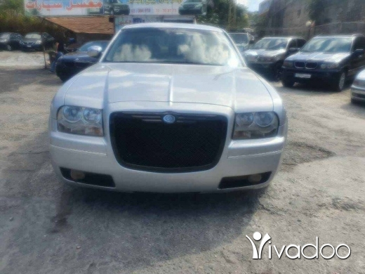 Chrysler in Beirut City - Crysler C300 hemi model 2005 سعر مغري