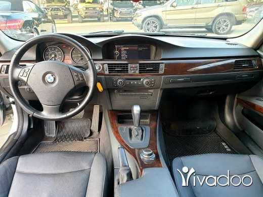 BMW in Beirut City - 2011 BMW 328i Clean carfax with Navigation