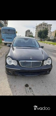 Mercedes-Benz dans Tripoli - c230 model 2006