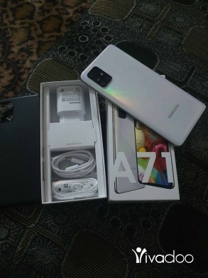 Phones, Mobile Phones & Telecoms in Jbeil - SAMSUNG A71