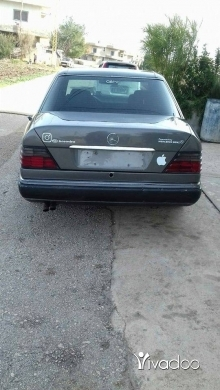 Mercedes-Benz in Akkar el-Atika - 300 موديل 92