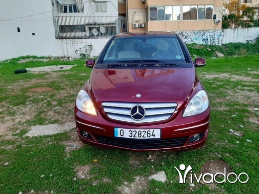 Mercedes-Benz in Beirut City - فرن الشباك بيروت موديل 2008 (B200