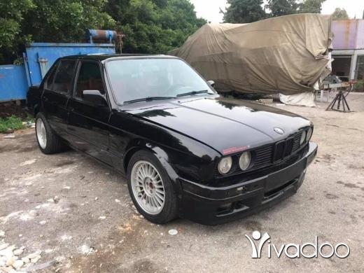 BMW in Amchit - Bm 325 86