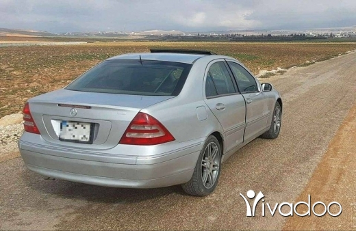 Mercedes-Benz in Baalback - C 240 2001 look 2004