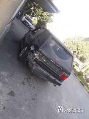 Rover in Tayr Debba - سيارة