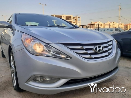 Hyundai in Zahleh - Sonata model 2013 limited edition clean carfax no accidents