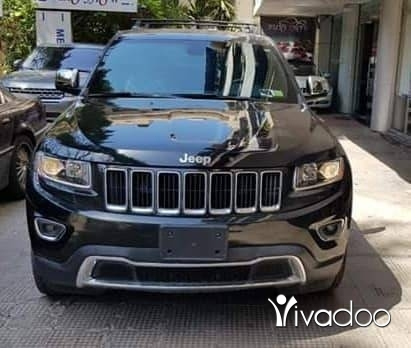 Jeep in Beirut City - Black Jeep Grand Cherokee 2015 Laredo On black interior with big screen Low mileage only 41,000mls