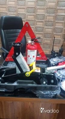 Car Parts & Accessories in Saida - عرض بس يومان عرض عفريت + طفاي+ مثلث بس ١٧٥ الف عرض تاني طقم لمبات لد ٤ عيون + سبري تبلو+ سبري فرش+