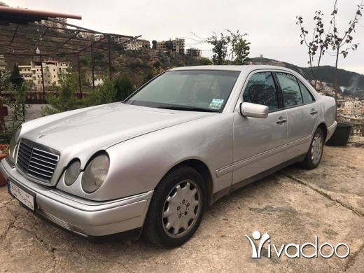 Mercedes-Benz in Tripoli - E320 model 99