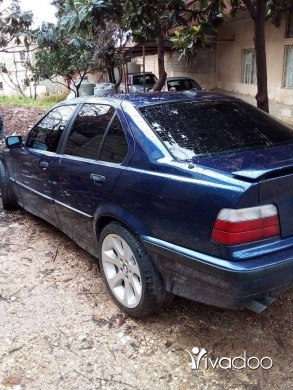 BMW in Akkar el-Atika - BMW Boy 92 - 325