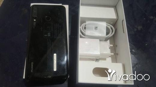 Phones, Mobile Phones & Telecoms in Tripoli - Huawei P30 lite